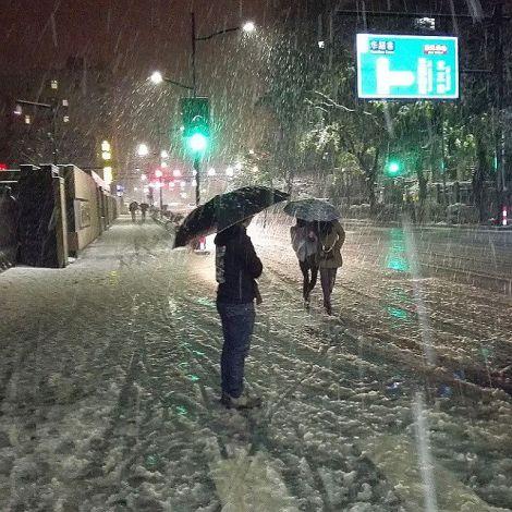 Der erste Schnee des diesjährigen Winters in Hangzhou