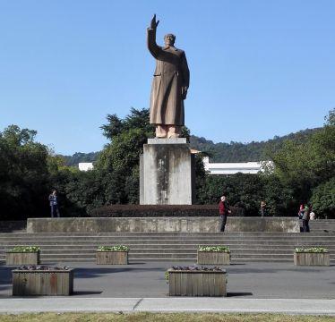Die Mao Zedong Statue auf dem Yuquan Campus der Zhejiang University