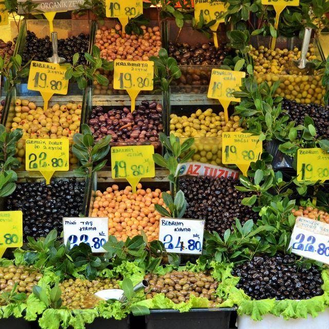 Auf dem Markt: Oliven