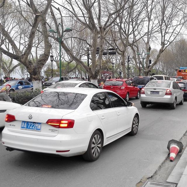 Staugespräche: worüber reden Taxifahrer in Hangzhou mit einem Deutschen am liebsten?