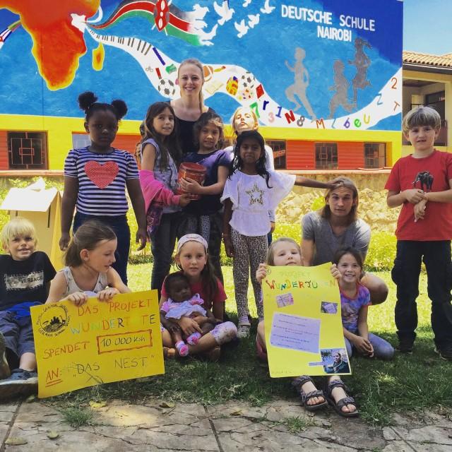Anna-Lena Richter mit Schülern