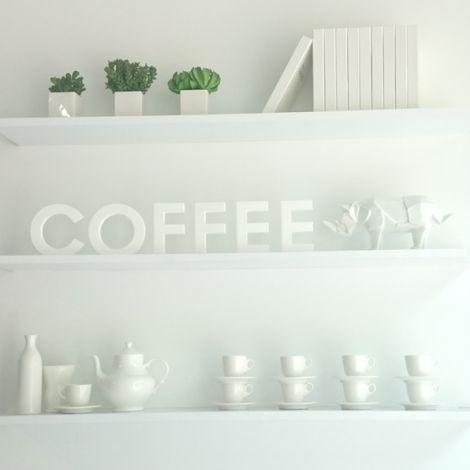 Regal mit Buchstaben für Coffee