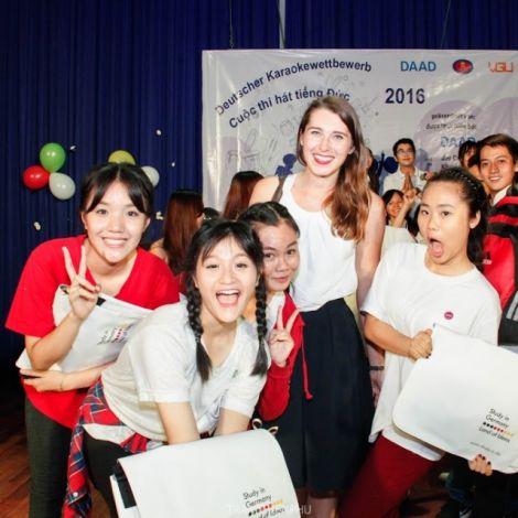 Clara und die Mädels aus dem Siegerteam