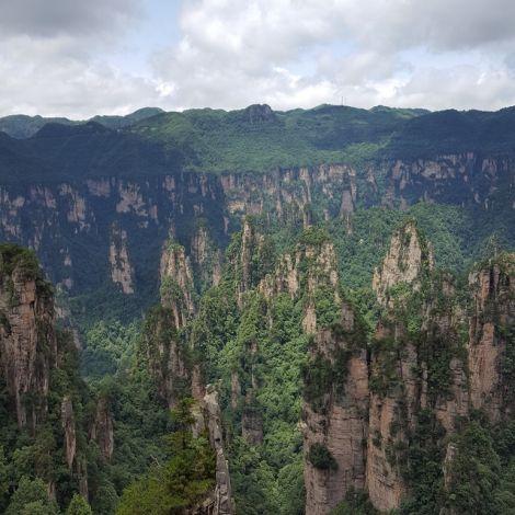 Blick von oben auf den Wulingyuan Nationalpark