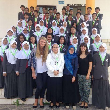 Ein Gruppenfoto mit den Schülern, die Deutsch lernen, ist immer ein Muss! :)