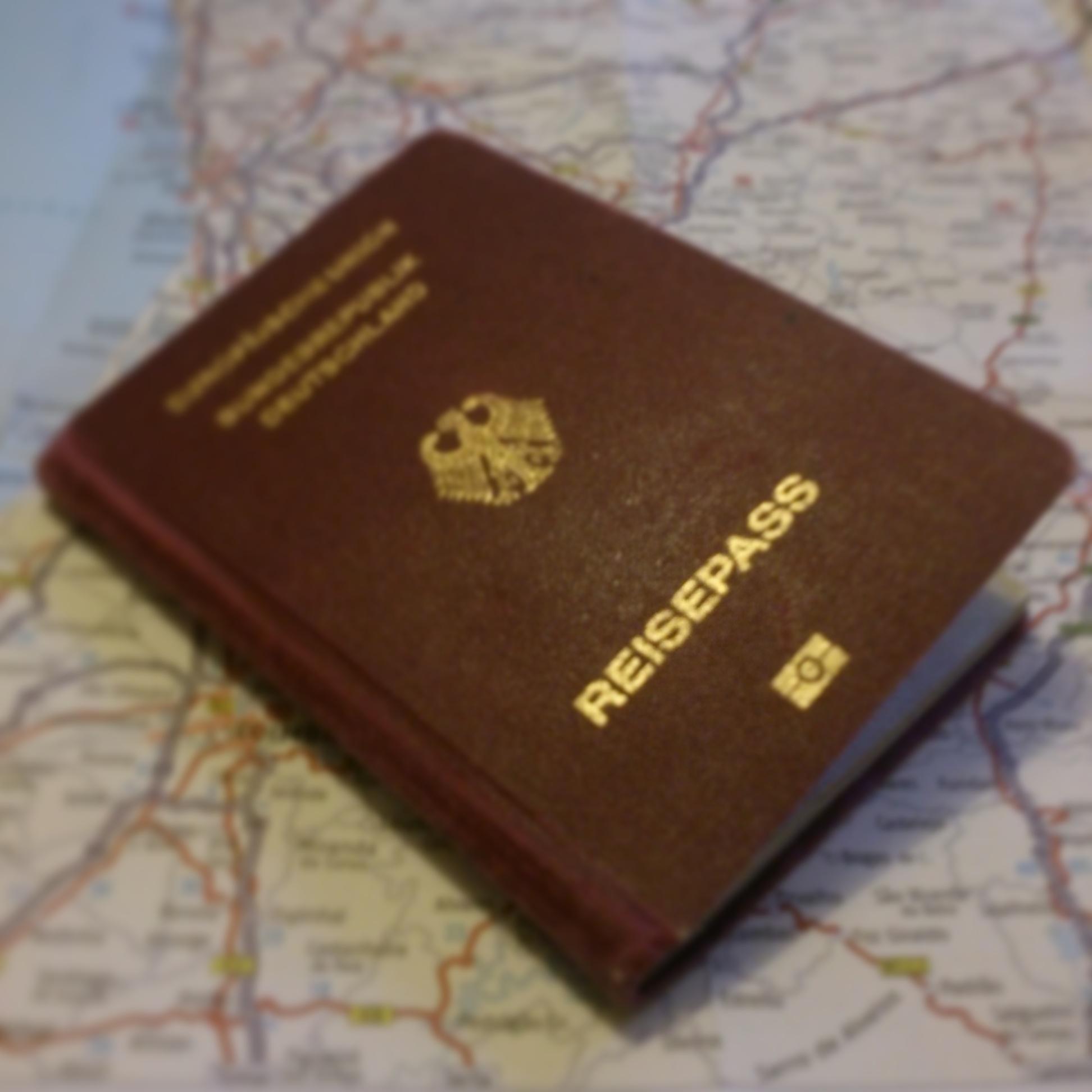 Weltkarte und Reisepass