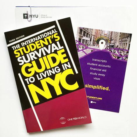 Mit den Visa-Unterlagen wurde mir von der NYU auch ein Survival Guide zugeschickt.