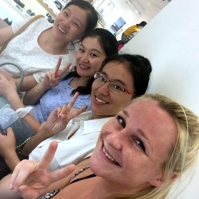 Kim, Hui und zwei Freundinnen