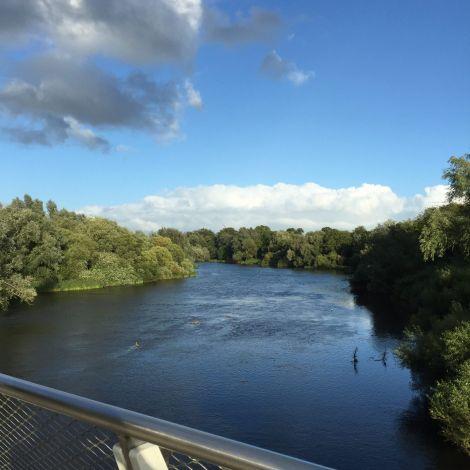 Brücke und Wasser