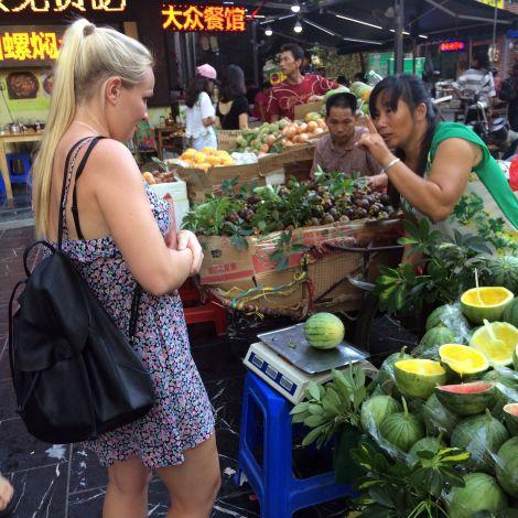 Kim auf dem Markt