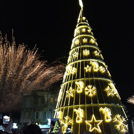 Beleuchtete Baum-Pyramide