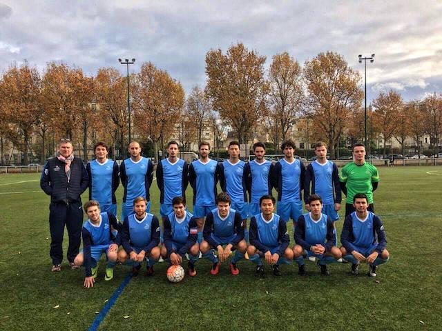 Meine Unifußballmannschaft in Paris