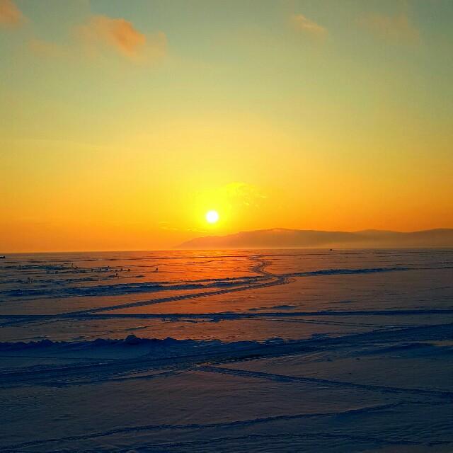 Sonnenuntergang über dem Baikalsee.