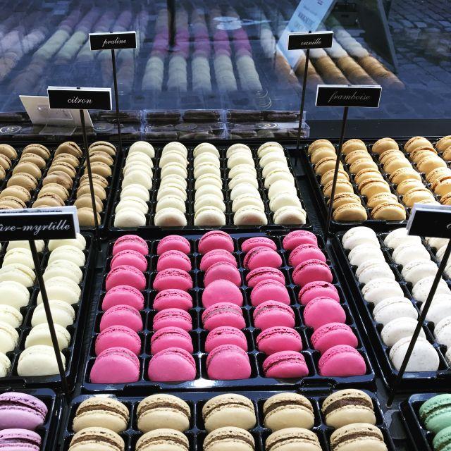 Macarons, Macarons! So klein und lecker! Diese bekommt man ab 0,80 Euro - 2,00 Euro pro Stück.