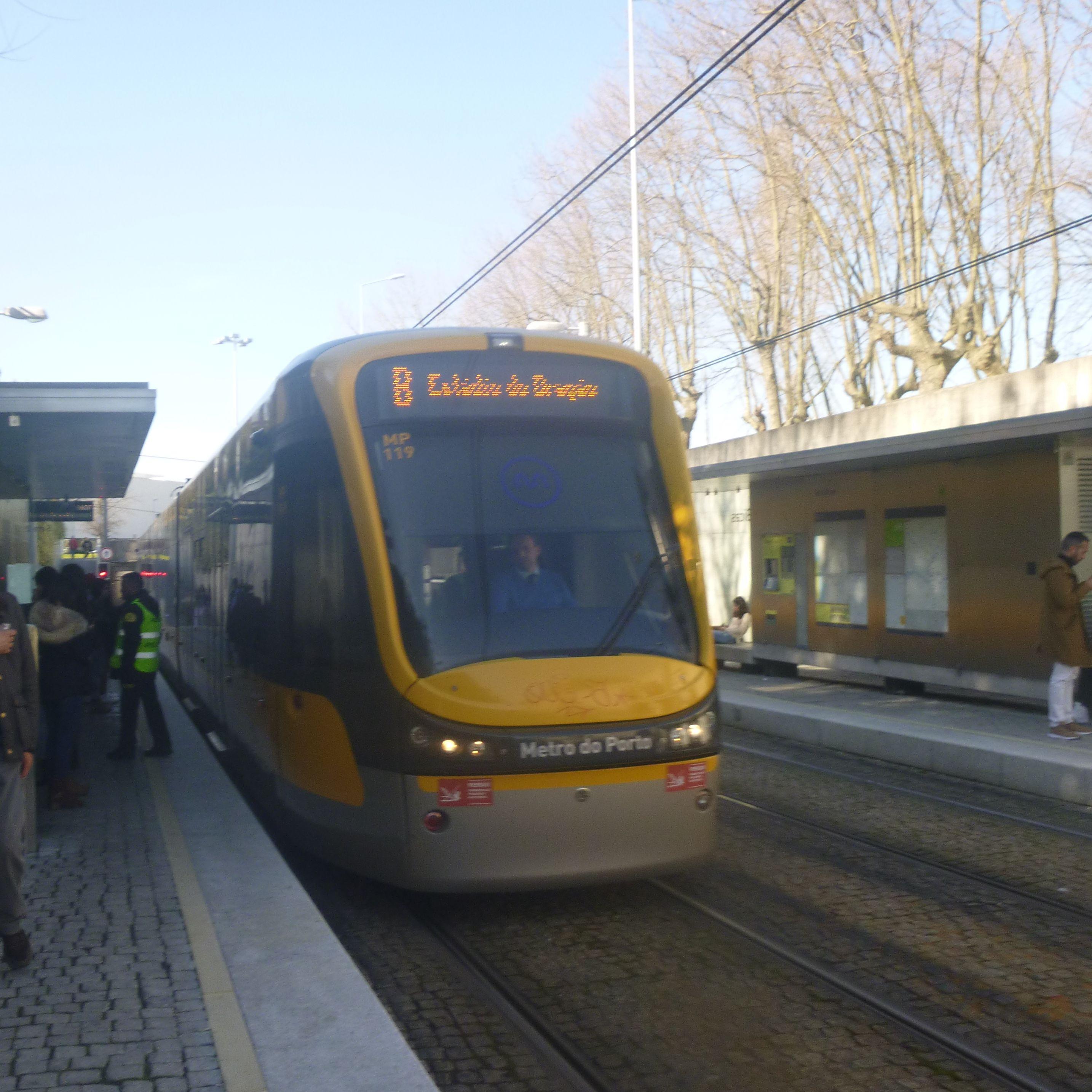 Metro-Guide für Porto: so vermeidet man das Schwarzfahren