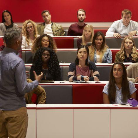 Studenten im Vorlesungsraum