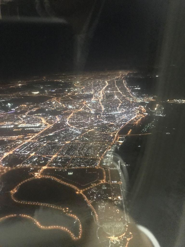 Anflug auf Dubai am frühen Abend