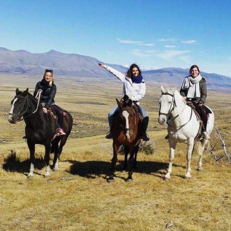 Capucine habe ich in meinem Erasmusjahr 2014 in Paris kennen gelernt. Nachdem hatten wir uns wieder in Patagonien in Argentinien 2016 getroffen um zu reisen und danach habe ich mein Praktikum in Chile begonnen. Merci Capucine!