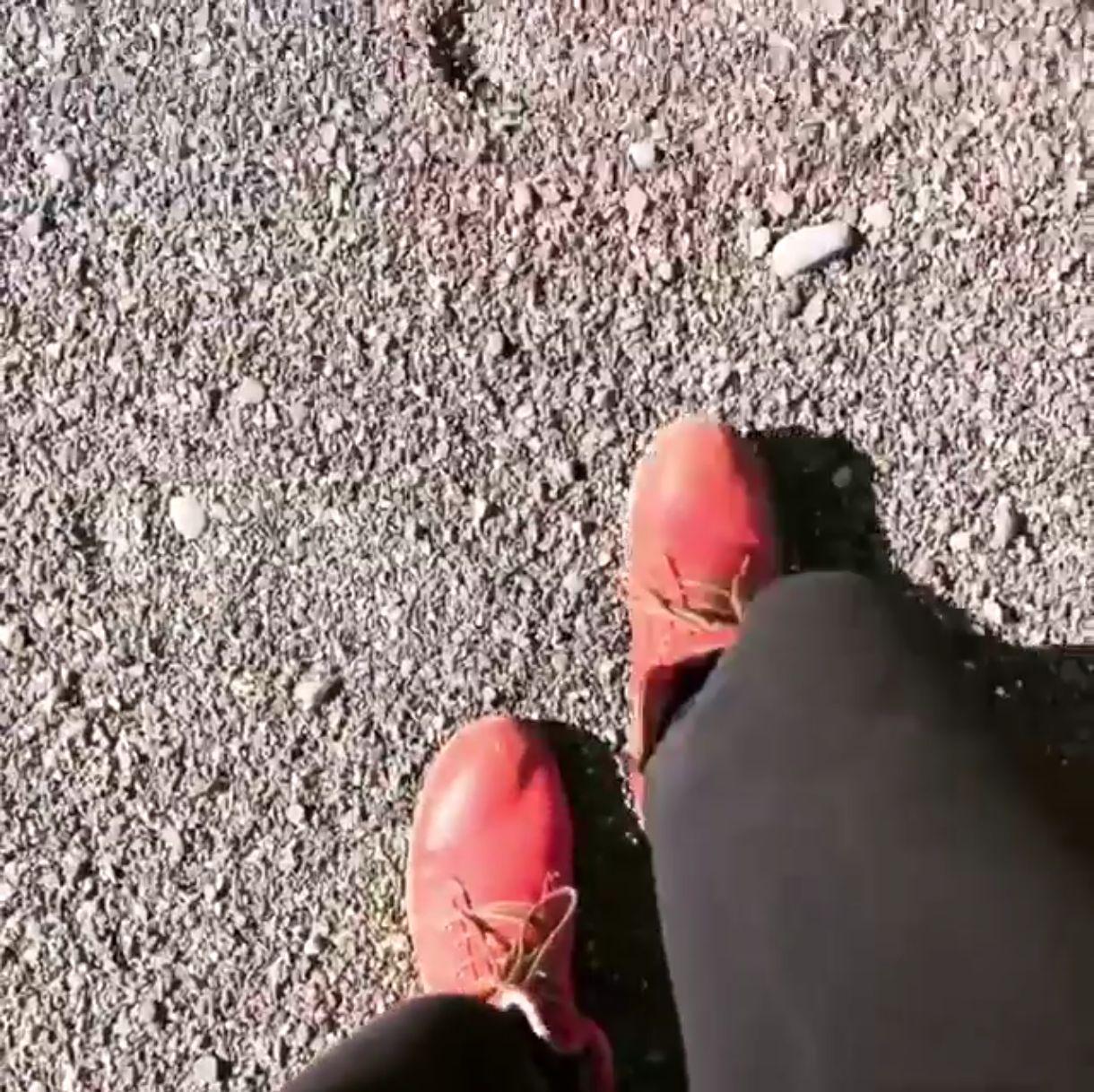 Screenshot Füßen aus Silvas Video.
