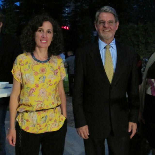 Die IC-Leiterin Nicola Vöhringer und der deutsche Botschafter Holger Green beim Empfang