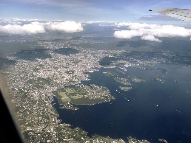 Vogelperspektive auf die Stadt Oslo aus dem Flugzeug fotografiert