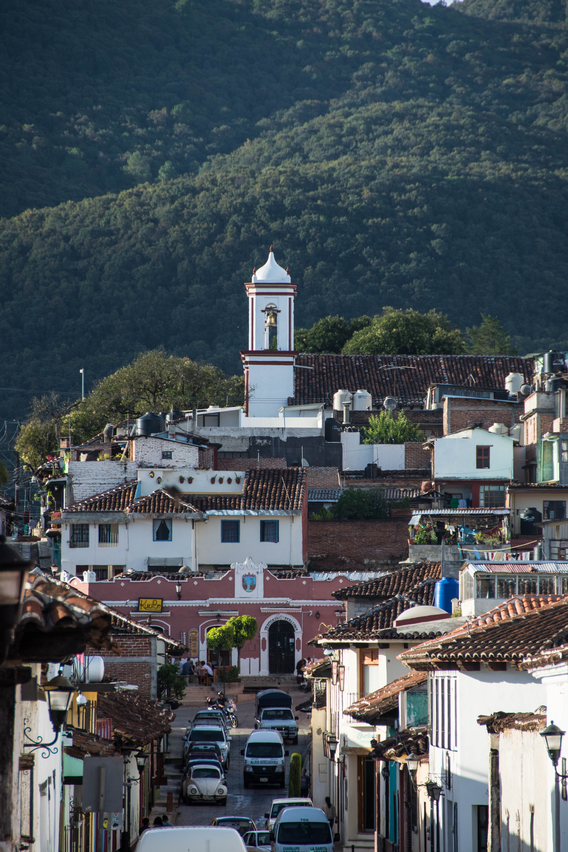 Kirche auf einem Hügel