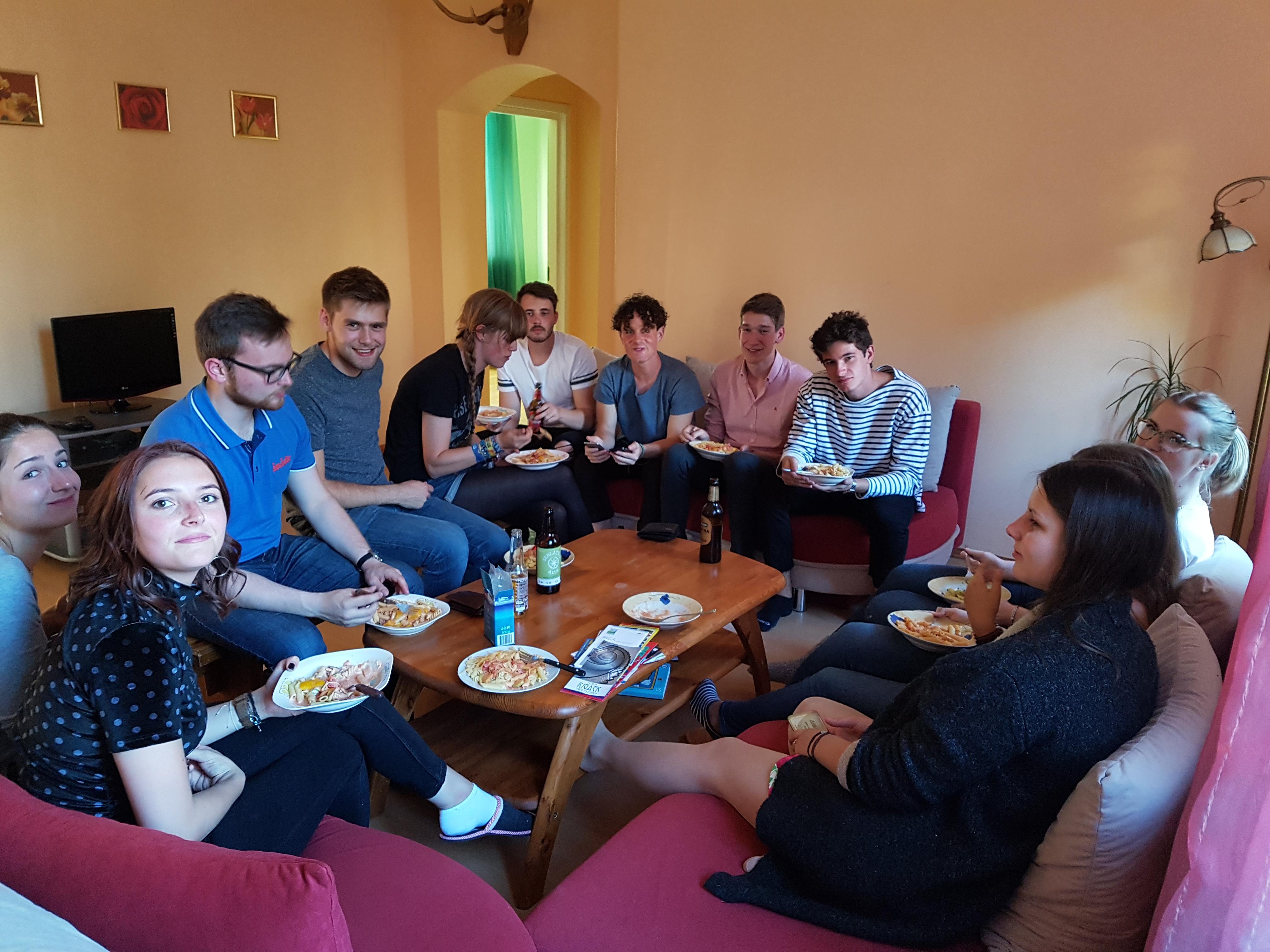 Gemeinsames Kochen mit Erasmusstudenten