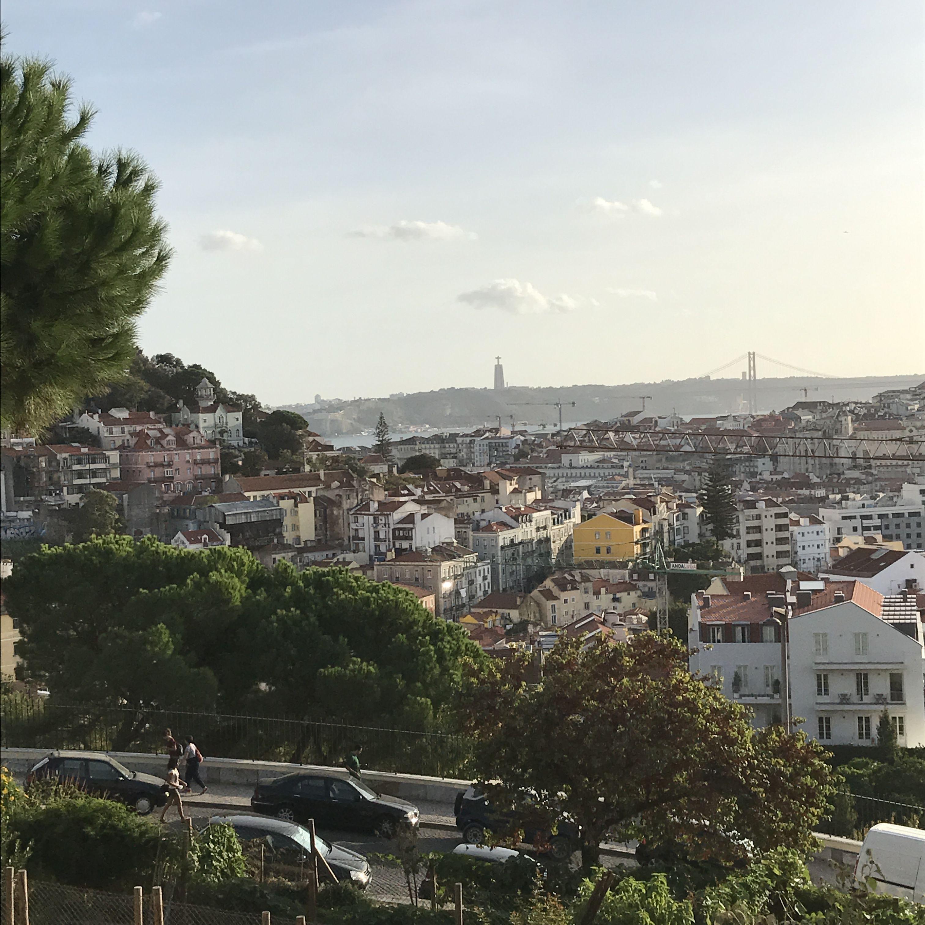Bem-vindo a Lisboa: Zwischen Campingleben und Business-Uni