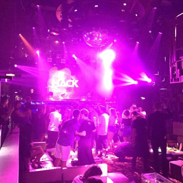 DJ-Pult im M2 Club Shanghai