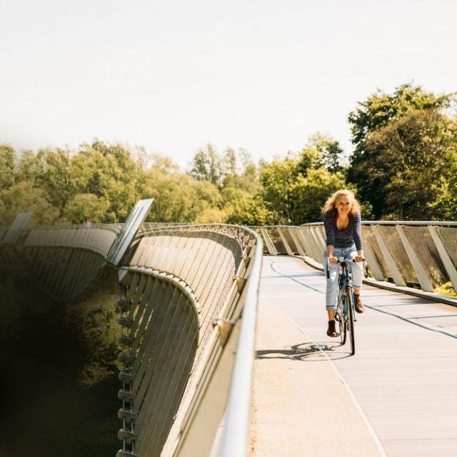 Silva in Limerick mit dem Fahrrad zur Uni.