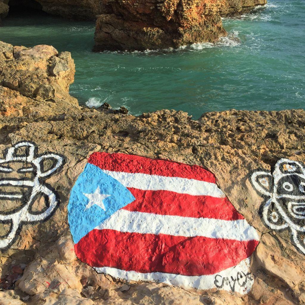 Felsenküste in Cabo Rojo