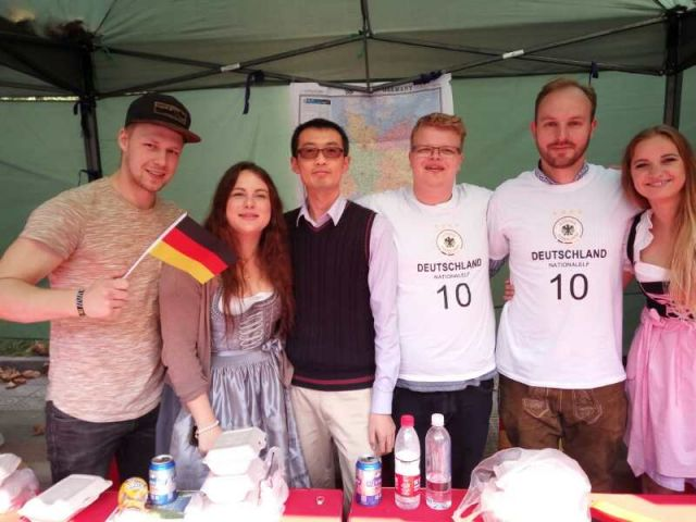 Das deutsche Team beim Internationalen Kulturfestival