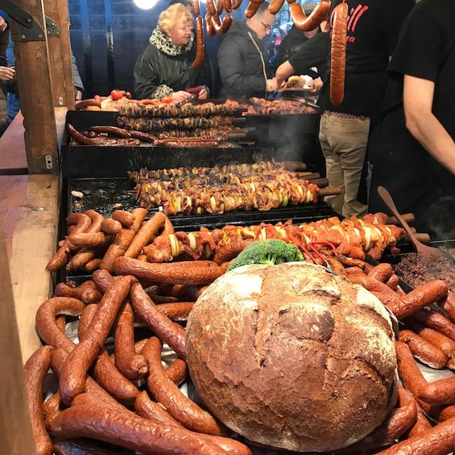 Weihnachtsmarkt Krakau Essen Fleisch
