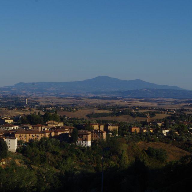 Aussicht vom Prato del Cavaliere auf die umliegende toskanische Landschaft