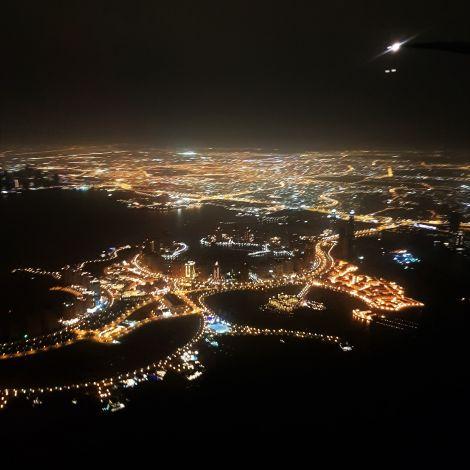 Die Aussicht über Doha beim Abflug aus Katar