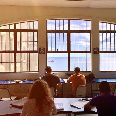 Wie soll ich denn mit diesem Meerblick lernen? • 🌿 #erlebees #chile…