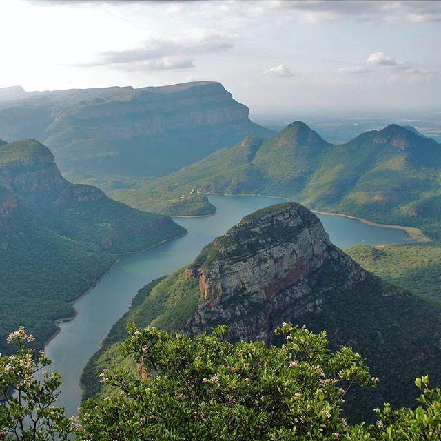 Den Semester-Break nutzen wir, um den Krüger Nationalpark und Swasiland zu…