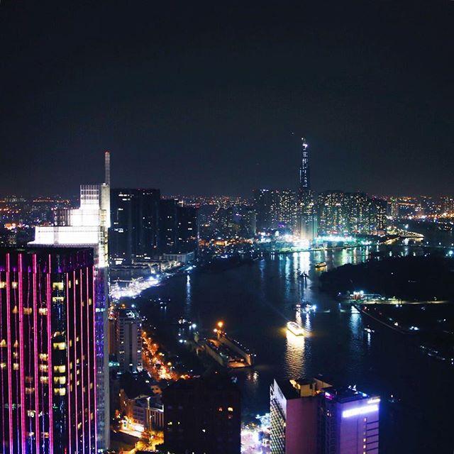 Andere Metropole - andere Skyline! Dieses Lichtermeer wird mir in Deutschland…