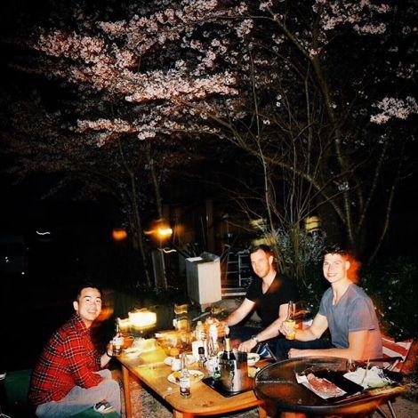 Der richtige Start in die Frühlingsferien: Bei Freunden eingeladen zum…