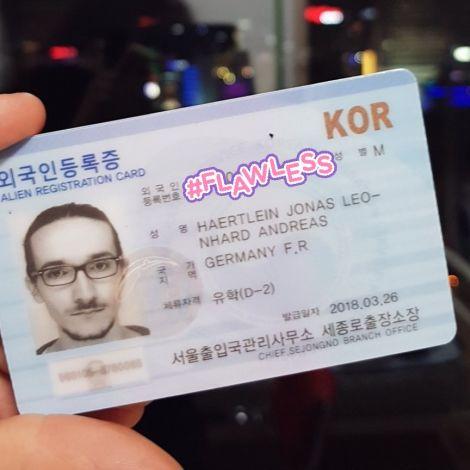 Endlich habe ich meine Alien Registration Card, die man in Korea bei längeren…