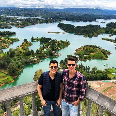 #Guatapé ist eine farbenfrohe Kleinstadt 2h von Medellín entfernt 🏘🎨…
