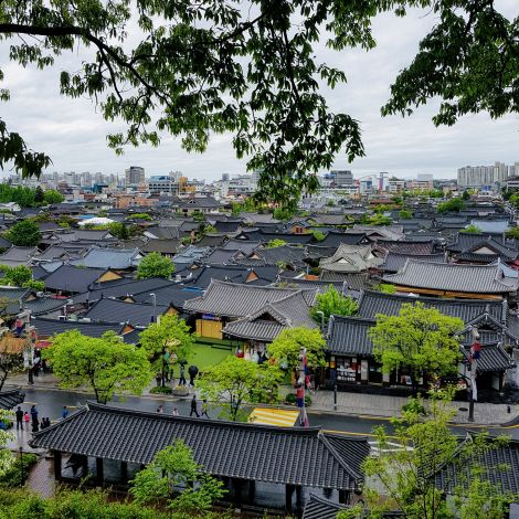 Das größte koreanische traditionelle Hanok Dorf in Jeonju