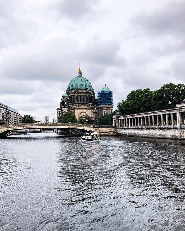 Ein menschenleeres Berlin versprüht auch einen besonderen Charme.…