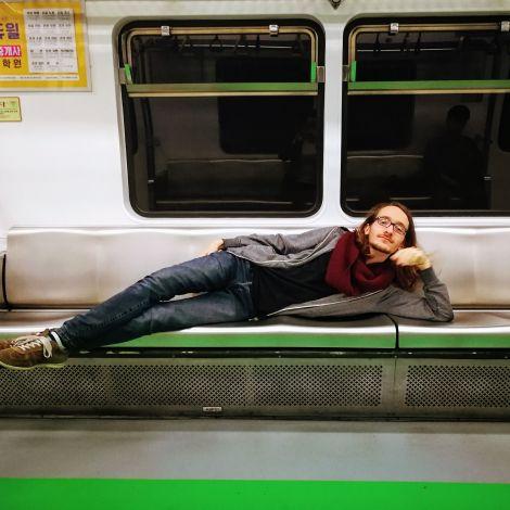 Viel Platz am Abend in der Seouler Metro