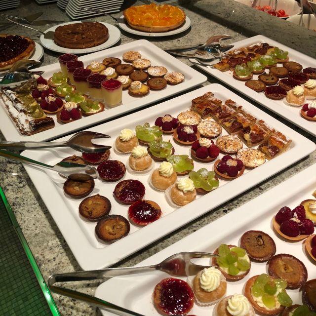 Kuchen und Törtchen