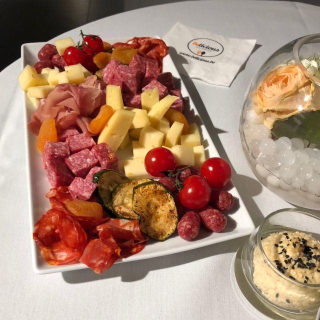 Wurst-und Käseplatte