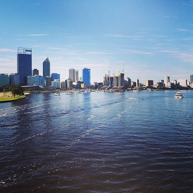 Blick auf eine australische Stadt.