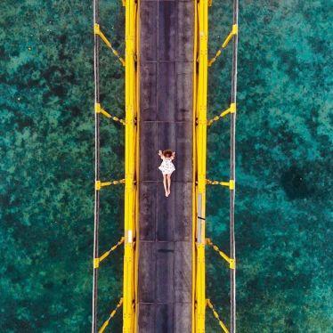 yellow bridge. 🌼 #erlebees #indonesien #nusalembongan #nusaceningan…