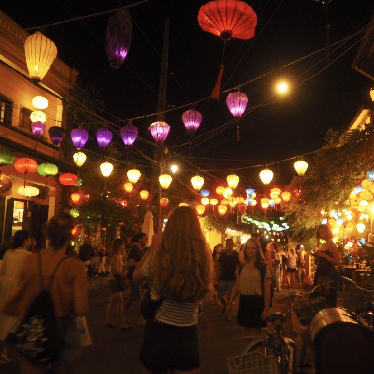 Nicht umsonst wird #HoiAn als Stadt der Lichter bezeichnet. Hier hätte ich…