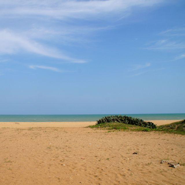 schöner blauer Strand, Meer